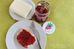 Gem de zmeura Panna Cotta, Dairy, Pudding, Cheese, Ethnic Recipes, Desserts, Food, Tailgate Desserts, Dulce De Leche