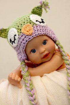 Sleepy Owl Crochet Baby Hat