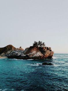Big Sur, California / ocean / waves / water / earth / explore / world / wave / beach / sand / lake / beautiful / travel / adventure / oceanic / inspiration / blue / sky / swim / pretty / sea / tide / shore / seashore / oceanfront / bank / seaside Adventure Awaits, Adventure Travel, Places To Travel, Places To See, Beautiful World, Beautiful Places, Fuerza Natural, Magic Places, All Nature