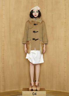 Louis Vuitton pre fall sneak pick.  Luxury, luxury, luxury.  Well, nobody is LV, only LV.