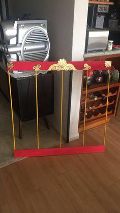 DIY lion cage Creepy Carnival, Circus Carnival Party, Carnival Birthday Parties, Carnival Themes, Circus Birthday, Circus Theme, Birthday Party Themes, Boy Birthday, Halloween Circus