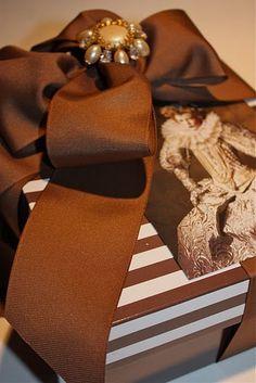 Beautiful gift wrapping <3