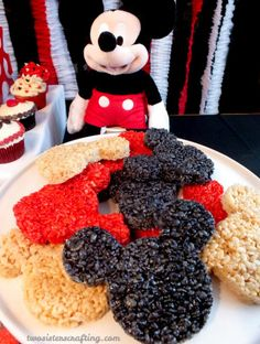 how to make mickey mouse cookies on a stick