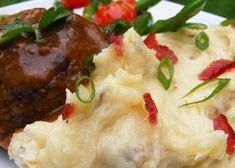 Mashed Potatoes with Fried Mushroom, Bacon, and Onion Recipe Pork Roast Side Dishes, Roast Dinner Sides, Roast Pork Dinner, Pork Roast Recipes, Dinner Side Dishes, Best Side Dishes, Onion Recipes, Potato Recipes, Meat Recipes