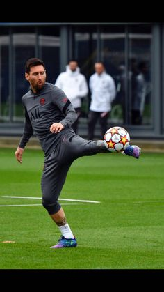 Messi News, Messi 10, Lionel Messi, Messi Argentina, Cute Love Pictures, Psg, Fc Barcelona, Naruto Shippuden, Sporty
