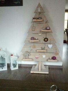 x – Christmas Ideas Pallet Christmas Tree, Diy Christmas Ornaments, Rustic Christmas, Xmas Tree, Christmas Art, Christmas Projects, Christmas Holidays, Xmas Decorations, Creations