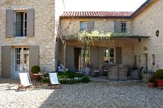 La Belle Paysanne is a beautiful villa for rent in Provence , Luberon Area. View info, photos, rates here. French Country House, Country Style, Beautiful Villas, Beautiful Homes, Gite Rural, Property France, Provence Style, French Architecture, Luxury Villa Rentals