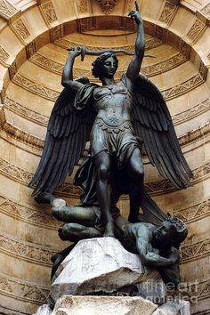 ❥ The God of peace will soon crush Satan under your feet. The grace of our Lord Jesus be with you. ~Romans 16:20 {Michael, the archangel, with Satan under his feet}