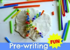Playdough Learning: Prewriting for Toddlers. playdough and straws Preschool Writing, Preschool Learning, Early Learning, Kids Learning, Learning Letters, Teaching, Alphabet Activities, Literacy Activities, Preschool Activities