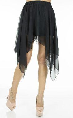 Fusta Dama Veil Black  Fusta dama extrem de interesanta. Model tutu in colturi.  Avantajeaza mai multe tipuri de silueta.     Lungime fata: 37cm  Lungime coluri: 73cm  Latime talie: 35cm  Compozitie: 100%Poliester