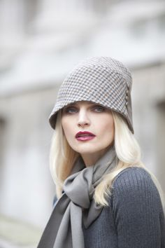 Millinery and designer hats for men and women, from flat caps and trilby hats to couture hats and headpieces. Parisienne Chic, Fancy Hats, Cute Hats, Winter Chic, Winter Hats, Winter Style, Grey Fashion, Autumn Fashion, Modern Fashion