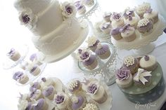 One of my all time favorite cake makers Cotton & Crumbs with a touch of lavender  for these beautiful wedding cupcakes and lace cake www.finditforweddings.com