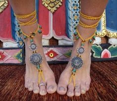 boho toes, now this would be a fun party craft, gotta have the wine though :)