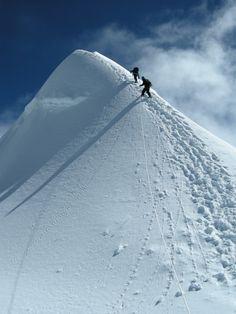 Island Peak Climbing in Nepal is one of the popular trekking peak in Nepal. Ice Climbing, Mountain Climbing, Sri Lanka, Himalaya, Nepal Trekking, Surf, Escalade, Kayak, Mountaineering