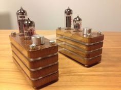 This twin mono block tube amplifier drives 5W. It has a separate power unit.