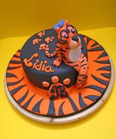 BENGALS Cake...Easy tiger stripes for cake