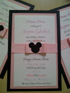 15 Minnie Mouse invitations by JanethsCreations on Etsy, $25.00