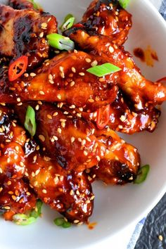 Korean Chicken Wings, Chicken Wing Sauces, Chicken Wings Spicy, Chicken Wing Recipes, Chicken Wings Slow Cooker, Grilled Chicken, Gochujang Chicken, Gochujang Recipe, Lord Byron