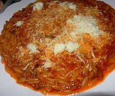 ΜΑΓΕΙΡΙΚΗ ΚΑΙ ΣΥΝΤΑΓΕΣ 2: Κριθαράκι γιουβέτσι με κιμά κατσαρόλας !!! Cookbook Recipes, Cooking Recipes, Chili, Soup, Pasta, Food Recipes, Chili Powder, Chilis, Soups
