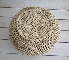 Háčkovaný puf s fotopostupem Beauty Games, Crochet Boots, Home Board, Crochet Videos, Beauty Trends, Outdoor Furniture, Outdoor Decor, Lana, Diy And Crafts