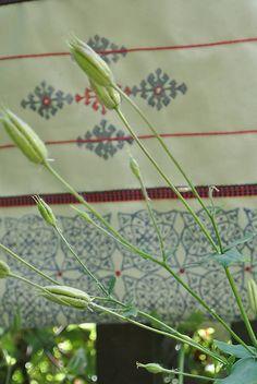 Veľká taška s motívmi páv, kvet-svet, dlaždice /biela, modrá, fiaľová/