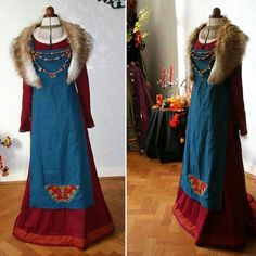 The finished viking dress. Costume Viking, Viking Garb, Viking Reenactment, Viking Dress, Medieval Dress, Viking Tunic, Historical Costume, Historical Clothing, Historical Photos