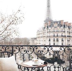 soyouthinkyoucansee: Merci Jasminetartine ph. Paris is my favorite xH.