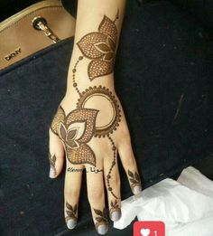 42 Super Ideas For Wall Paper Modern Phone Patterns Mehndi Designs Book, Arabic Henna Designs, Indian Mehndi Designs, Modern Mehndi Designs, Mehndi Design Pictures, Mehndi Designs For Fingers, Latest Mehndi Designs, Simple Mehndi Designs, Henna Tattoo Designs
