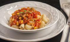 Pruebe la Salsa de Elote con Jitomate servida con pasta, le va a gustar la combinación.