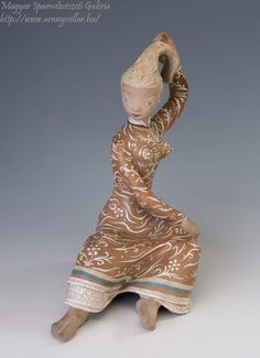 Lany, Spinning, Lion Sculpture, Ceramics, Statue, Artist, Ceramica, Hand Spinning, Artists