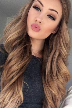 Light Brown Hair Colors Summer Hair Color Caramel, Lips - Make - Frisuren Coiffure Hair, Hair Color Caramel, Light Caramel Hair, Caramel Brown Hair, Caramel Ombre, Hair Color Highlights, Low Lights And Highlights, Summer Highlights, Peekaboo Highlights