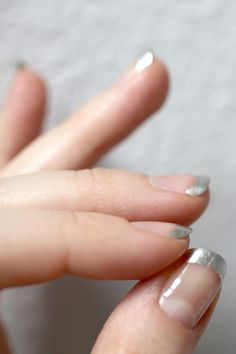 I used to have my nails like this back in my Southwest days!  Takes me back...