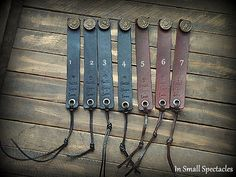 Vintage Button Leather Strap Bracelet von InSmallSpectacles auf Etsy