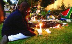 África do Sul se une em luto a Mandela, mas teme nova divisão racial.