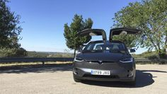 Articulo decomputerhoy.com El Tesla Model X es uno de los dos modelos de coches eléctricos de Tesla (aunque pronto serán tres, con la llegada del Model 3), y en este caso se trata de un SUV -algo …