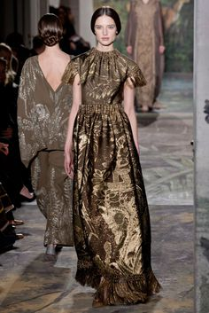 """""""Damn, it's hot in this dress!"""" 
