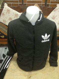 Sweater Gred A  Free size ..muat untuk size M L XL Harga runtuh RM45 SAHAJA Whatsapp +60134269210 AbgBlack utk belian