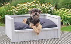 Steigerhouten hondenmand