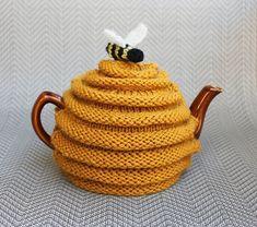 more fun Teapot Cozies ______________________________________________ Ravelry: frazzledknitter's Beehive Tea Cozy project; beehive tea cozy pattern by Patons _______________________________________________ Tea Cosy Knitting Pattern, Tea Cosy Pattern, Free Knitting, Knitting Patterns, Crochet Patterns, Scarf Patterns, Knitting Wool, Vintage Knitting, Dress Patterns