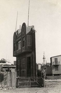 mikasavela:  A strange house left standing, consisting of a facade, a staircase and a balcony room, Cairo 1938. Unknown photographer. Via Tumblr