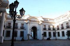 Patio de los Cañones, Palacio de la Moneda - Chile