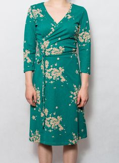 English rose turkus Tasha English Roses, Wrap Dress, Dresses With Sleeves, Long Sleeve, Ale, Fashion, Moda, Sleeve Dresses, Long Dress Patterns