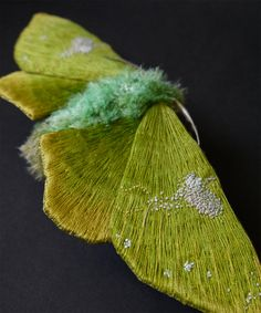 Textile Moth and Butterfly Sculptures by Yumi Okita textiles sculpture moths insects butterflies.I'm sure it moved Art Fibres Textiles, Textile Fiber Art, Textile Artists, Sculpture Textile, Soft Sculpture, Textiles Techniques, Embroidery Techniques, Graphic 45, Fabric Butterfly