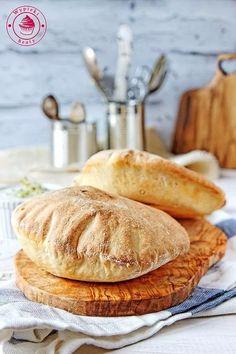 pita przepis Bread Recipes, Vegan Recipes, Cooking Recipes, Vegan Gains, Bread Bun, Easy Food To Make, Vegan Desserts, Superfood, Good Food