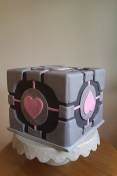 companion cube cake from Portal by www.cakethatbakery.com. Possible grooms cake?