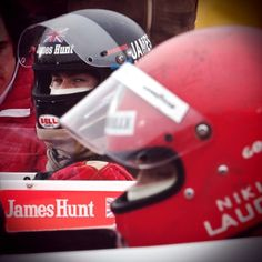 Chris Hemsworth as James Hunt in Rush - Ron Howard directed biopic of Niki Lauda (played by Daniel Brühl) Chris Hemsworth Movies, Rush Movie, Motorsport Magazine, Daniel Bruhl, James Hunt, Ron Howard, Hard Hats, Olivia Wilde, Latest Sports News