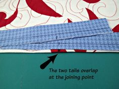 Easy trick to perfectly join quilt binding - So Sew Easy Quilting For Beginners, Quilting Tips, Quilting Tutorials, Hand Quilting, Machine Binding A Quilt, Quilt Binding Tutorial, Bias Binding, Backing A Quilt, Jellyroll Quilts