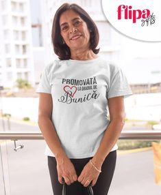 A deveni bunica, cu siguranta este unul dintre cele mai frumoase sentimente. Imagineaza-ti bucuria ei cand va primi acest tricou de la tine. Înregistrează-te pe flipagifts.ro și primești o cană personalizată cadou. ....................................................... #flipagifts #tricou #tricouripersonalizate #tshirtmessage #mesajepetricouri #cadouripersonalizate #cadouri #tricouridama #tricouricumesaje #cadouripersonalizate #cadouripentruea #bunica #teiubescbuni #grandma… T Shirt Message, Tops, Women, Fashion, Moda, Women's, La Mode, Shell Tops, Fasion