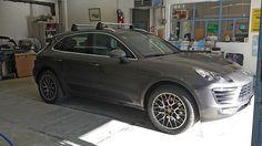Porsche remontée, nettoyée, prête pour la livraison. Carrosserie inter-union - 53 route de suisse, 1295 Mies Tél.022 755 45 30 - Fax. 022 779 03 28 Site internet: www.interunion.ch