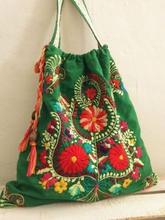 Bag-Backpack, two functions in one product, beatiful mexican embroidery, unique design of Pure love Mexican Embroidery, Embroidery Bags, Vintage Embroidery, Embroidery Stitches, My Bags, Purses And Bags, Lazy Daisy Stitch, Boho Bags, Fabric Bags